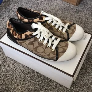 Coach signature logo cheetah lace-ups sneakers fur